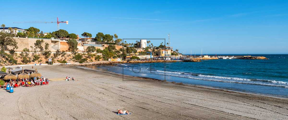 properties rent Cabo Roig
